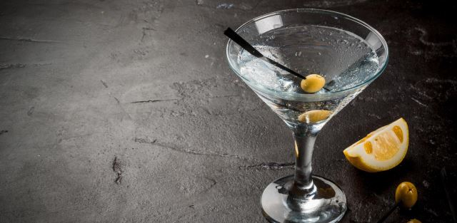 Como preparar um Dry Martini