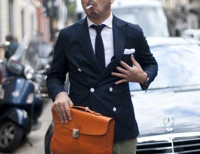 Ideal para carregar notebooks, documentos e outros papeis, as pastas masculinas combinam bem com ambientes corporativos