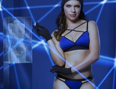 Missão Impossível: lingerie azul foi o look escolhido por Bruna