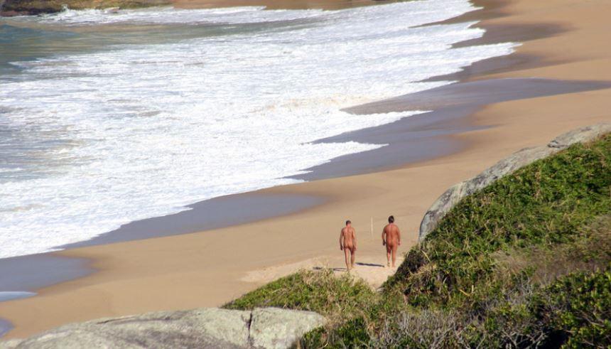 10 praias de nudismo brasileiras vip viagem areah for Paginas de nudismo