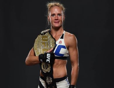 Holly Holm: 5 fatos sobre a nova campeã peso-galo do UFC