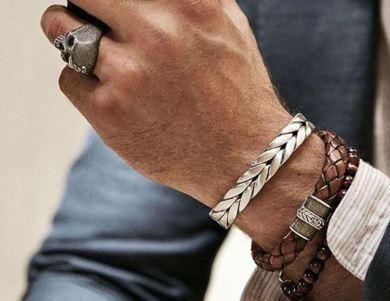 49b7b358d27 Pulseiras masculinas  como usar e combiná-las com relógios e outros  acessórios