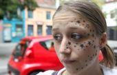 A belga Kimberley Vlaeminck, de 18 anos, adormeceu no estúdio e acordou com 56 estrelas na cara. A garota disse que pediu apenas três estrelas para o tatuador.