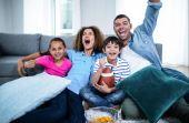 Tarde de domingo, transmissão da NFL e uma reunião em família, claro!