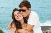 O romantismo ainda é muito bem recebido pelas mulheres, mas não é qualquer trova que convence