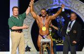 A maior competição de fisiculturismo do Brasil acontece no evento, onde o próprio Arnold faz as honras e entrega prêmios
