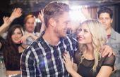 Enquanto os homens são mais seduzidos pela possibilidade de sexo, elas preferem ser tratadas com exlcuisividade