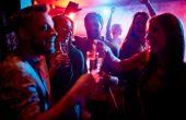 Aproveite a ausência dos amigos de balada para fazer novas e divertidas amizades