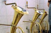 Tela de pintura e instrumentos musicais são algumas das inspirções desses banheiros