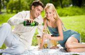 O principal atributo do champagne para aumentar o desejo sexual feminino é o simbolismo, pois demonstra o quanto a pessoa é especial