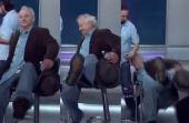 Bill Murray segundos antes de se esborrachar no chão