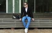 Por ser uma roupa que flerta com o formal e o informal, o blazer é muito útil no cotidiano de qualquer homem