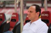 Porém, a partir de agora, os fãs do jogador terão que acostumar a vê-lo fora do gramado, como novo técnico do São Paulo