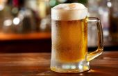 A cerveja é bem parecida com o futebol: popular entre o público e algo que os jogadores também gostam