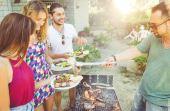 O ritual do homem: o churrasco é um momento de descontração, onde reunimos os amigos e familiares para celebrar