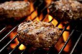 Só coloque a carne para assar quando o fogo já estiver estabilizado