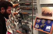 Dan Bilzerian e sua coleção de armas