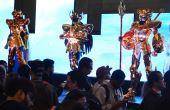 As 12 armaduras de ouro, do anime Cavaleiros do Zodíaco, vieram ao Brasil pela primeira vez na CCXP e são uma das maiores atrações da feira