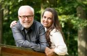 À medida que as mulheres ficavam mais velhas, a idade média do parceiro com quem cogitariam se relacionar também aumentava