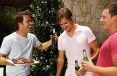 Todo homem gosta de comida de bar. Que tal poupar uma grana e chamar os amigos para comer em casa?