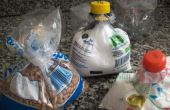 Recicle a tampa da garrafa pet e use-a para fechar saquinhos