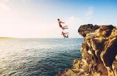 O mundo está cheio de lugares para os aventureiros conhecerem e se divertirem com muita adrenalina no sangue