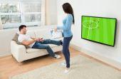 Tome cuidado para não deixar o fanatismo pelo futebol arruinar seu relacionamento