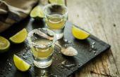 A tequila, por exemplo, é uma bebida indispensável no seu Home Bar e essencial para preparar uma boa Margarita ou simples shots