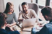 Ter uma boa relação com seus companheiros de trabalho é uma ótima maneira de se manter empregado por mais tempo