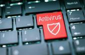 Não baixe nada em seu computador novo em antes protegê-lo com antívirus