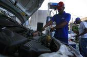 Tome muito cuidado ao realizar certos reparos em postos de gasolina. Eles podem mais atrapalhar do que ajudar