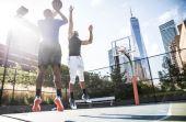 O basquete aparece 29 vezes entre as 50 maiores folhas salarias do esporte mundial e 17 entre as 20