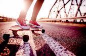 Além de melhorar o condicionamento físico, longboard ajuda a espairecer a mente