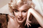 A eterna diva do cinema foi batizada como Norma Jeanne Mortensen. No início de sua carreira, a atriz decidiu mudar radicalmente, tingindo os cabelos de loiro e adotando o nome de Marilyn Monroe.