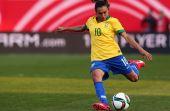 A primeira brasileira a aparecer na lista é futebolista Marta