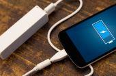 """O uso constante de carregadores """"genéricos"""" pode provocar problemas na bateria do seu aparelho"""