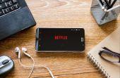 Além do Netflix, confira outros serviços de streaming com mais temas e variedades de produções