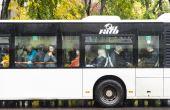 Os ônibus das grandes cidades costumam ficar bem lotadas