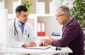 No Brasil, o número de homens que procuram um médico para uma consulta preventiva é 30% menor que o de mulheres