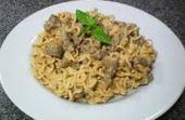 Strogonoff: pra que fazer arroz se você pode comer strogonoff de Miojo?