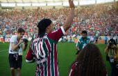 Ronaldinho foi apresentado para o clube em 19 de julho