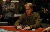 """Em """"Cartas na Mesa"""", um estudante deve voltar às mesas contra o homem que o venceu uma vez para ajudar seu amigo"""