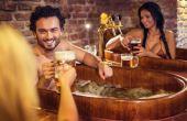 Sim, eles existem! Conheça alguns dos principais spas de cerveja do mundo para relaxar com estilo