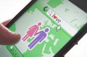 Publicar imagens em aplicativos de relacionamento, como o Tinder, só causa insegurança