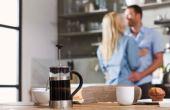 De acordo com pesquisa, homens que bebem diariamente duas ou três xícaras tem 42% menos chance de ter disfunção erétil