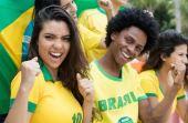 Durante a Copa do Mundo, amigos se reúnem ainda mais para acompanhar as partidas, inclusive os que não amam futebol